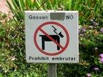 Badalona, mal lloc per passejar el gos